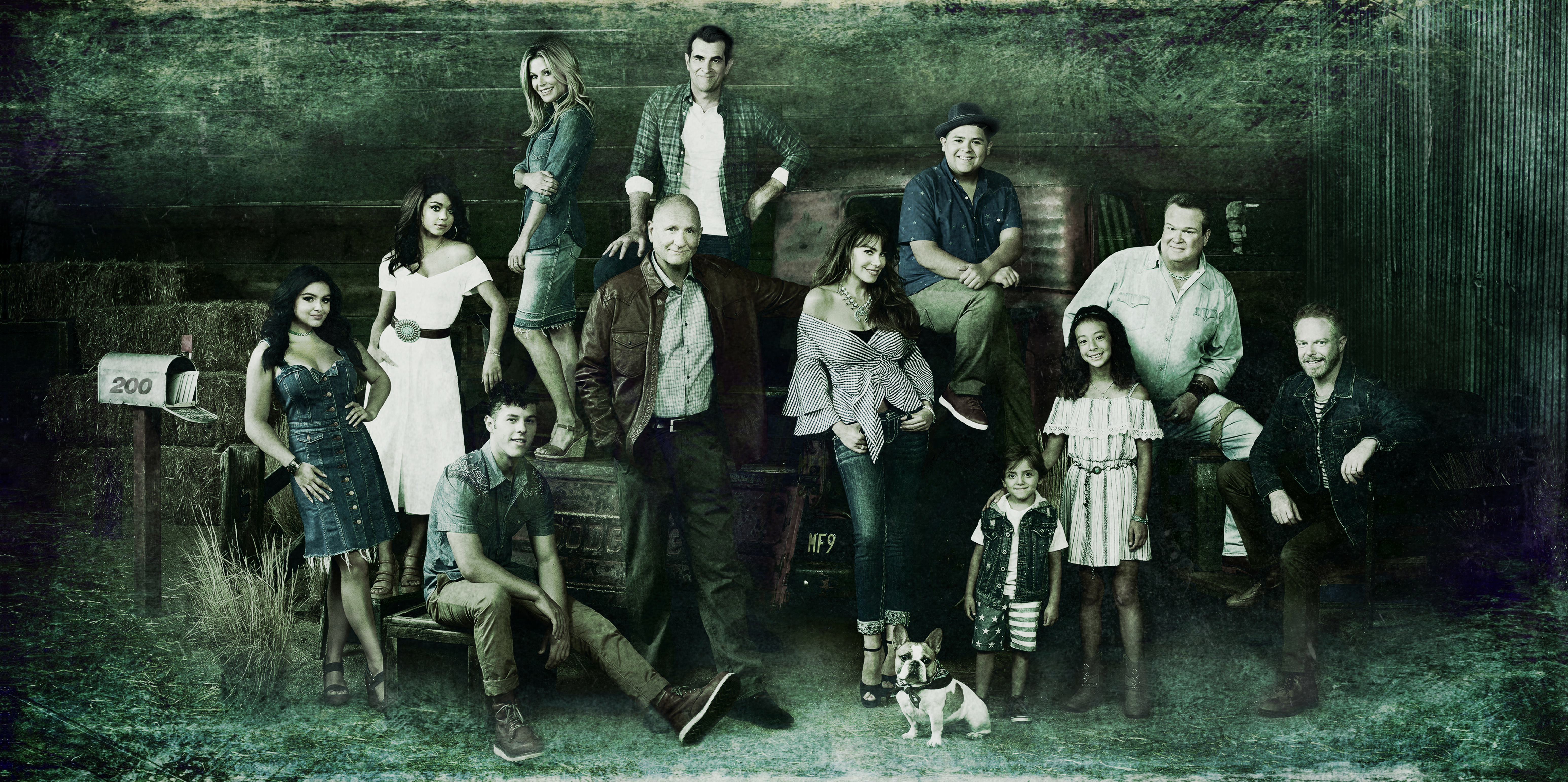 The Cast of Modern Family is Ready for their 10th Season with New