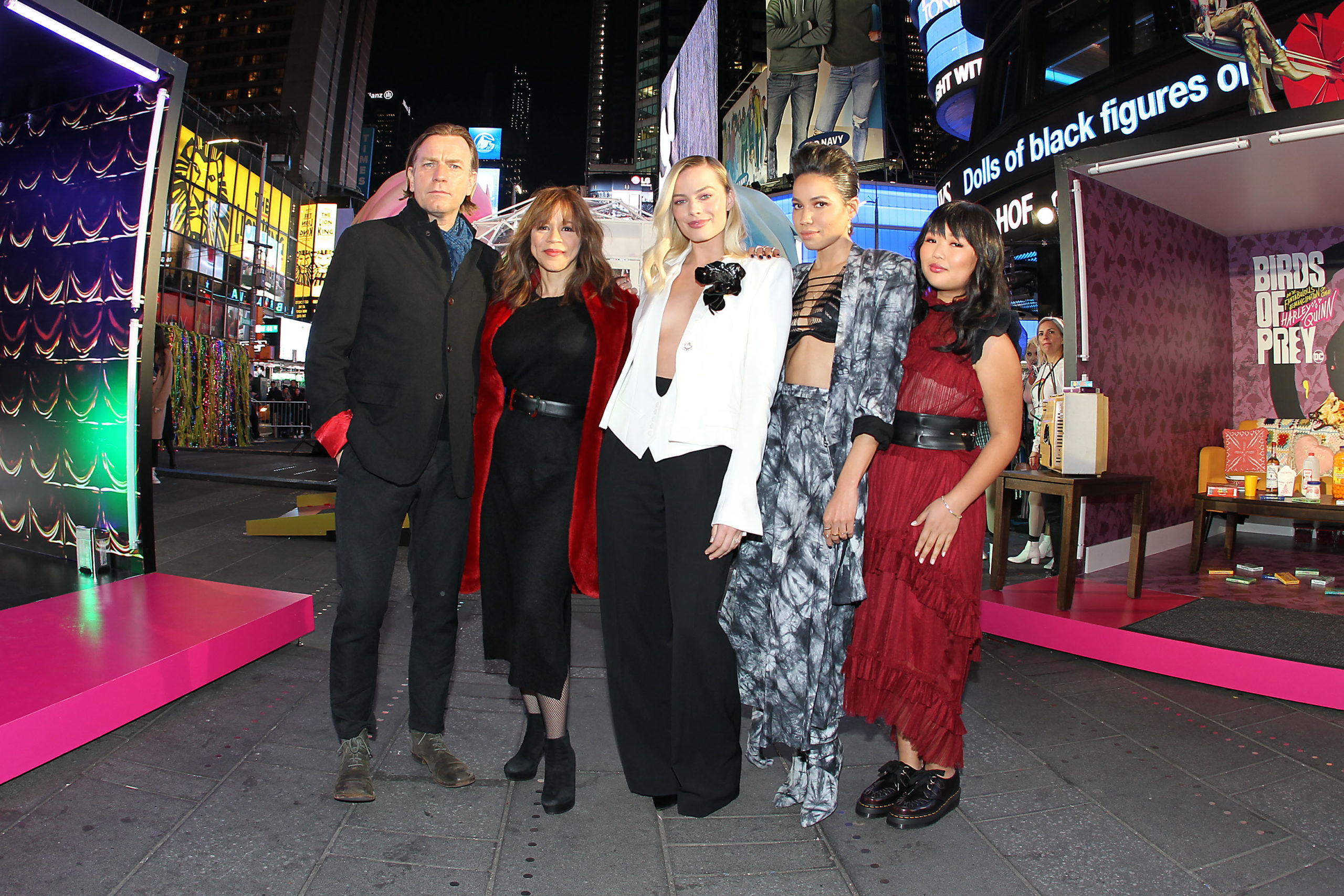 The Cast Of Birds Of Prey Attend Special Fan Experience And Screening In Nyc Beautifulballad